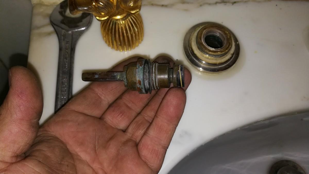 Tete-de-robinet-ancien.jpg