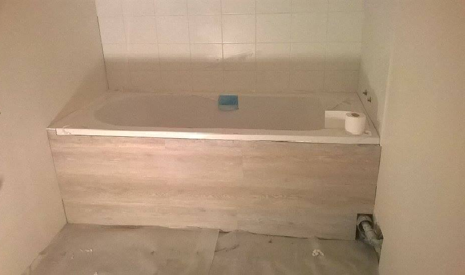 Un b ti de baignoire mal fix peut il faire s 39 effondrer - Peut on repeindre une baignoire ...