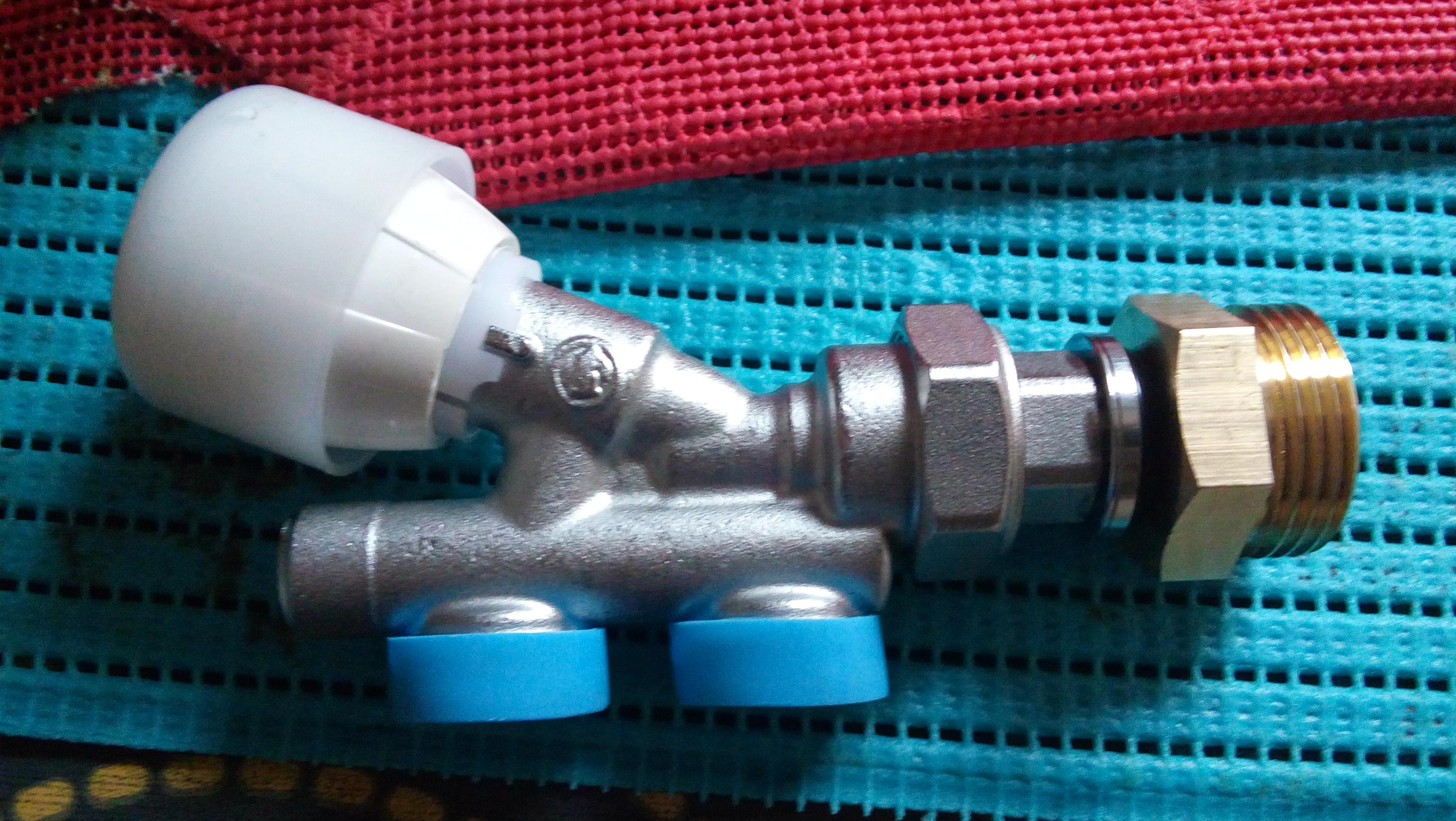 montage actuelle robinet R437 NX031 + raccord femelle 15-21 - mâle 26-34.jpg, 2.17 mb, 3264 x 1840